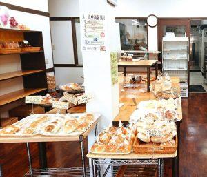 横須賀・浦賀「パン市場はまだぶんてん」内観